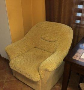 Продам угловой диван + кресло