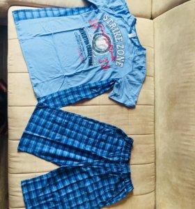 Продам костюм мужской футболка и шорты