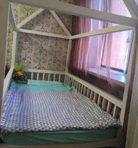 Кровать домик 1'80 на 90