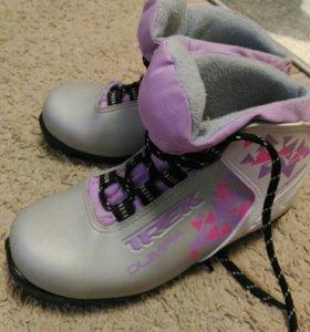 Лыжные ботинки, 35 размер