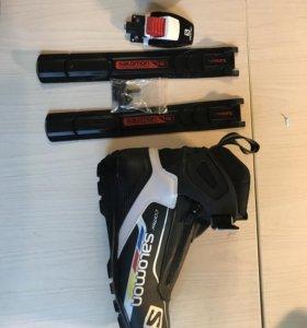 Лыжные ботинки salomon комбинированные 42 р.