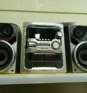 Музыкальный центр LG LM-M540