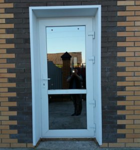 Двери пвх с тонировкой