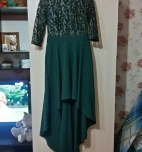 Очень эффектное красивое платье 46-48р.