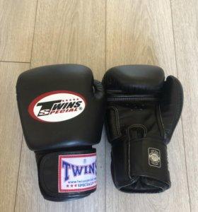 Боксерские перчатки twins