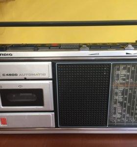 Магнитола Grundig - C4800 . Германия .