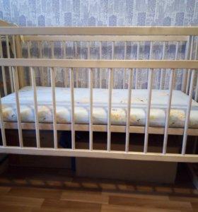 Кроватка с матрацом,