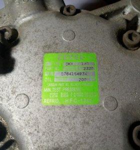 Компресор кондиционера двигатель RB20E