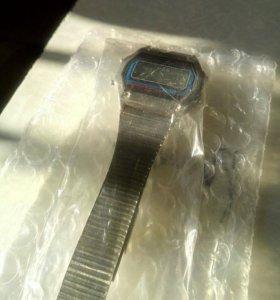 Часы Montana