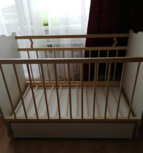 Детская кроватка маятник с ящиком для белья