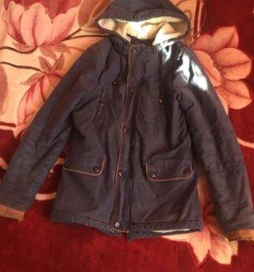 Продаю зимнюю мужскую куртку (парка)