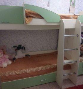 Кровать чердак, двухъярусная кровать, шкаф, полки
