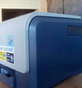 Цветной принтер Samsung CLP-300