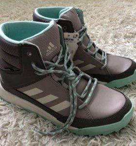 Новые женские кроссовки Adidas!