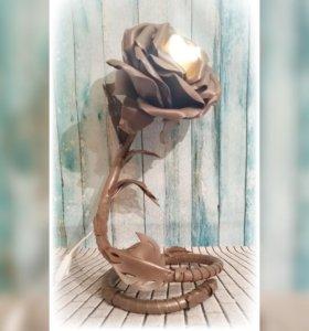Ростовые цветы,светильник