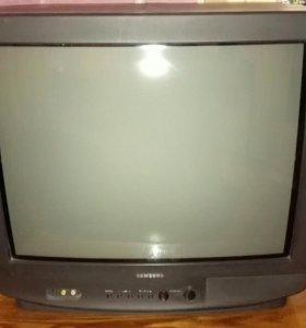 Телевизор Samsung кинескопный.