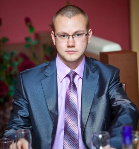 Мужской костюм двойка + рубашка + галстук