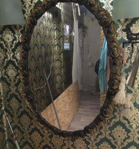 Зеркало интерьерное в багете в хорошем состояние.