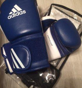 Боксерские перчатки 10 унций Adidas