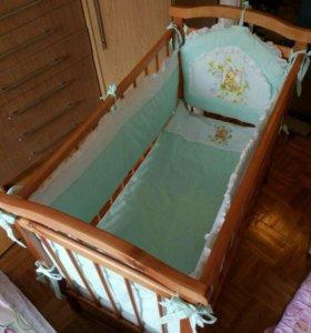 Кроватка + матрас + бортики и постельное бельё