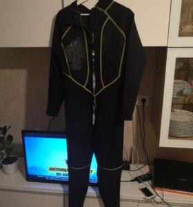 Гидро костюм 3 мм. 52 размер рост 183