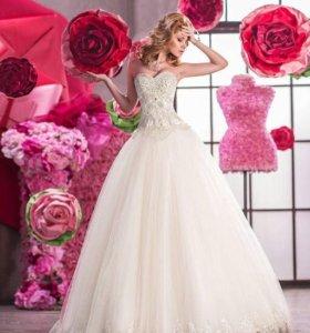 Продам шикарное брендовое свадебное платье