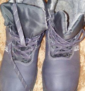 Лыжные ботинки 40р и 37