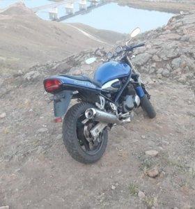 Suzuki Bandit 400-2.