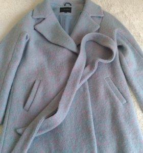 Пальто 48 размер,новое.