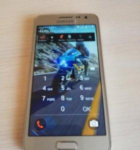 Мобильный телефон самсунг гелакси А 3