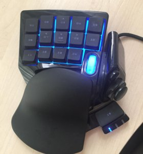 Игровая клавиатура-геймпад Razer Tartarus Chroma