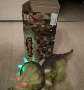 Новая Игрушка динозавр ходит машет хвостом светитс
