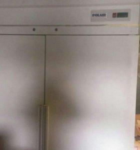 Холодильно-морозильный шкаф