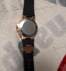 Мужские стильные часы