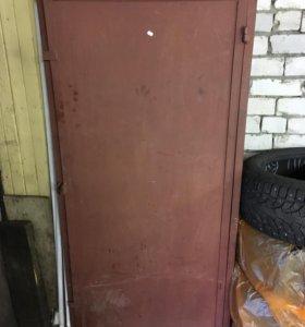 Шкаф железный для баллонов