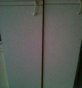 2 шкафчика от кухонного гарнитура (нижние)