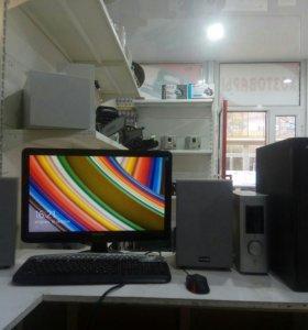 Четырехядерный компьютер в сборе с ЖК монитором