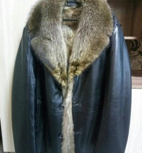 Куртка кожаная, с мехом енота
