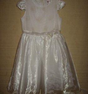 Белое платье ГЛОРИЯ ДЖИНС НА РОСТ 134-140см.