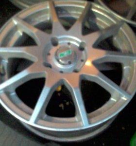 диски литые R 15