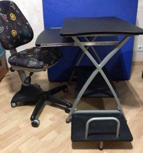 Компьютерный стол и стул для ребёнка