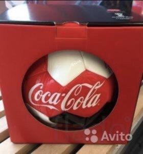 Футбольные мячи от coca cola