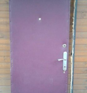 Дверь металлическая тонкая