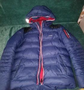 Куртка состояние новое.