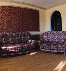 Продам комплект мебели( диваны)