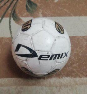 Продаю мяч