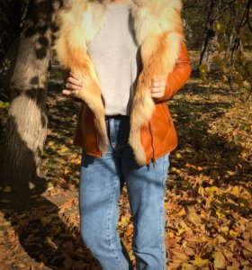 Куртка-шуба внутри лисий мех,верх кожа