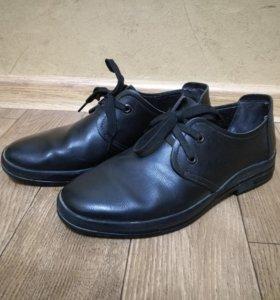 Продам кожаные мужские туфли.
