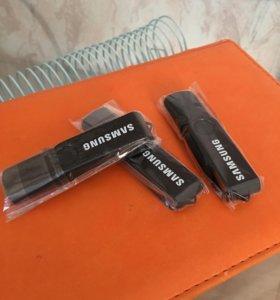 USB/micro USB флешка 16 гиг.