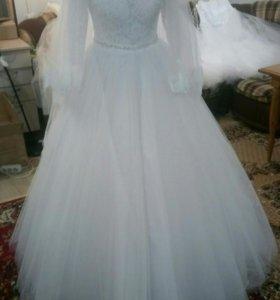Свадебное платье с рукавом новое